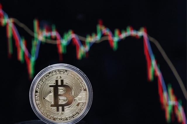 Cú tăng giá ngoạn mục của tiền ảo thật ra chỉ là ảo?