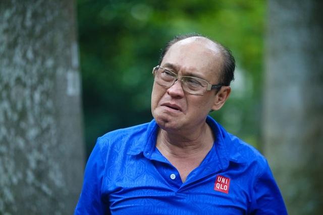 Nghệ sĩ Duy Phương đòi bồi thường thiệt hại về vật chất lẫn tinh thần sau khi chương trình Sau ánh hào quang phát sóng ảnh hưởng đế công việc kinh doanh của ông và gia đình.