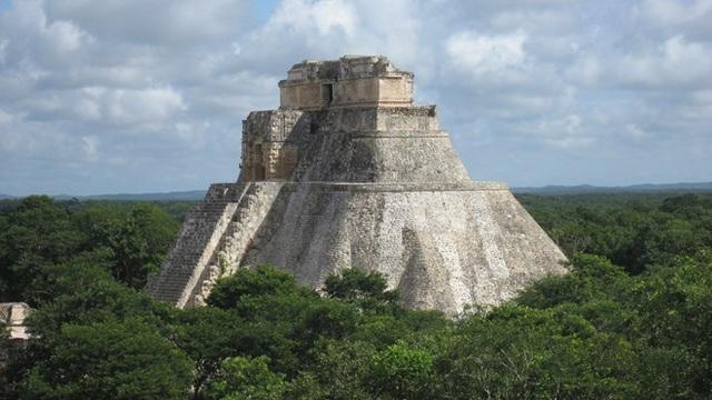Kim tự tháp cổ 2000 năm tuổi của người Maya vừa được phát hiện