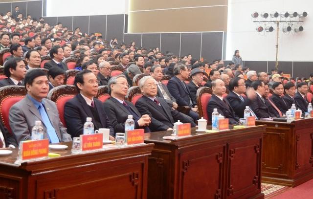 Tổng Bí thư Nguyễn Phú Trọng cùng các lãnh đạo bộ, ban, ngành Trung ương và địa phương tham dự lễ Kỷ niệm 110 năm ngày sinh đồng chí Nguyễn Đức Cảnh.