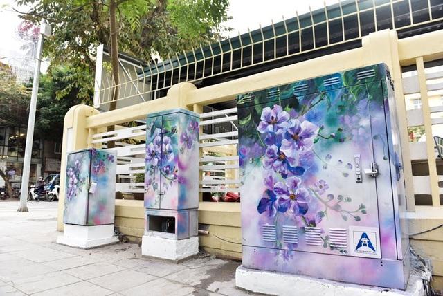 Khác với những hình vẽ dạng graffiti tuỳ tiện, tranh đường phố được ủng hộ khi sử dụng đúng chỗ, đảm bảo chất lượng nghệ thuật.