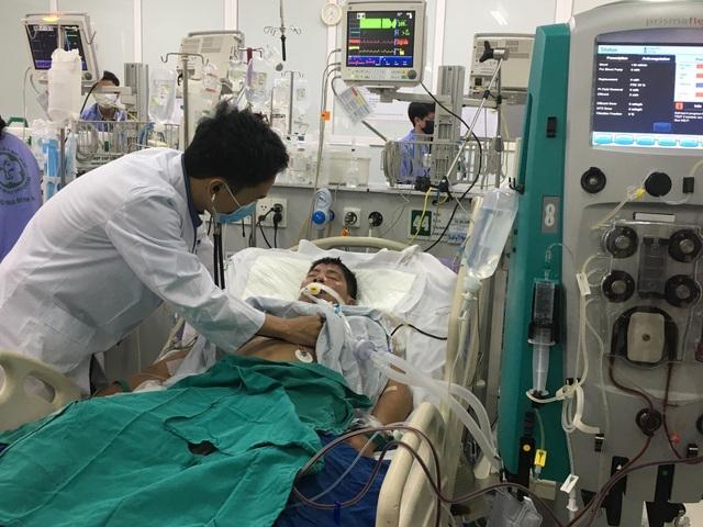 Khoa Cấp cứu (BV Bạch Mai) tiếp nhận hơn 700 ca cấp cứu nội khoa trong những ngày Tết.