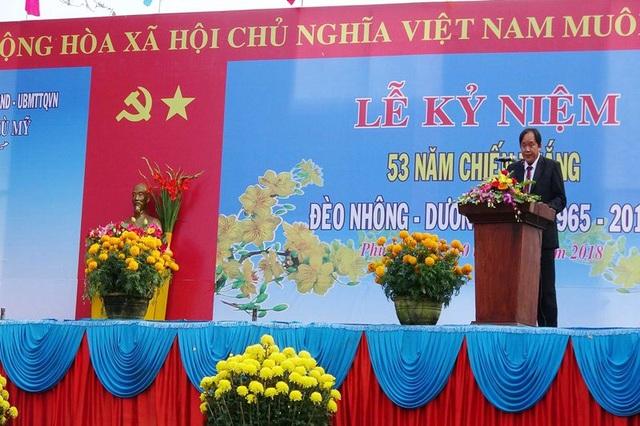 Chủ tịch UBND huyện Phù Mỹ (Bình Định) đọc diễn văn ôn lại chiến thắng lịch sử Đèo Nhông - Dương Liễu.