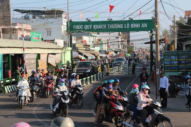 Bến phà Cát Lái không còn cảnh xe xếp hàng dài chờ phà về TPHCM