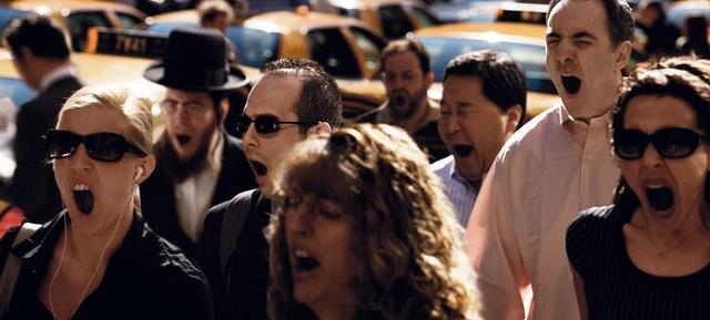 """Bức """"Screaming Dreamers"""" (Nói mê) là tổng hợp của những lần Funch nhìn thấy những người ngáp ngủ trên đường phố."""