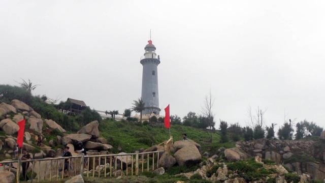 Gành Đá Đĩa và Mũi Điện ở Phú Yên hút khách tham quan dịp Tết - 3