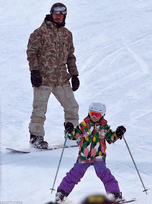 Beckham cùng con gái Harper Beckham đi trượt tuyết tại Whistler, Canada ngày 21/2 vừa qua