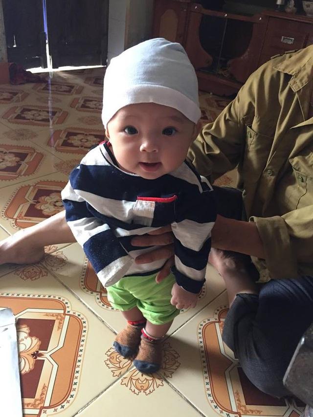Mẹ bé Quỳnh Anh bỏ em ra đi không 1 tin tức.