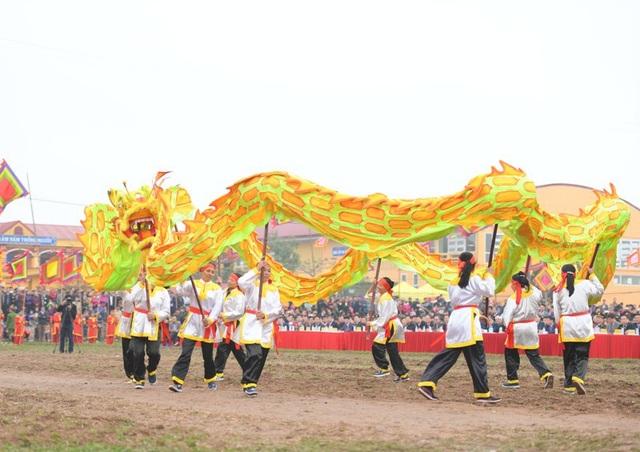Màn múa trống khai Hội và múa rồng