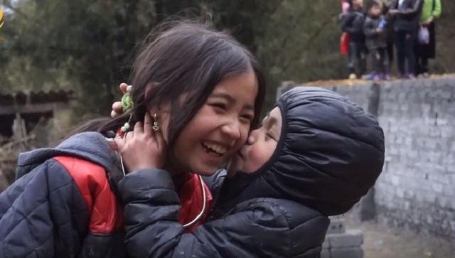 Cô Cô và Dương Quá phiên bản nhí