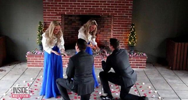 Hai chàng trai quỳ gối cầu hôn cùng một lúc