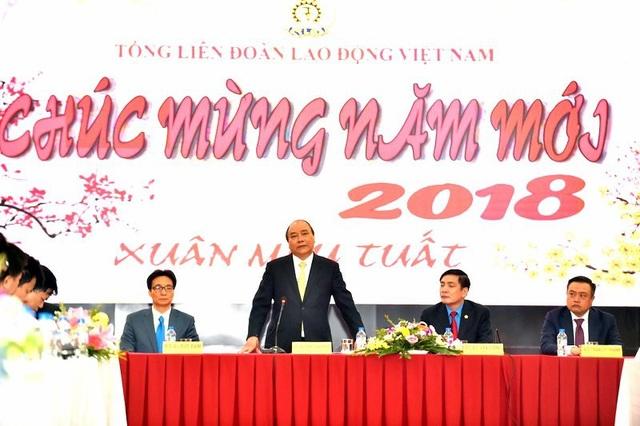 Thủ tướng Nguyễn Xuân Phúc phát biểu tại buổi làm việc với Tổng Liên đoàn lao động VN.