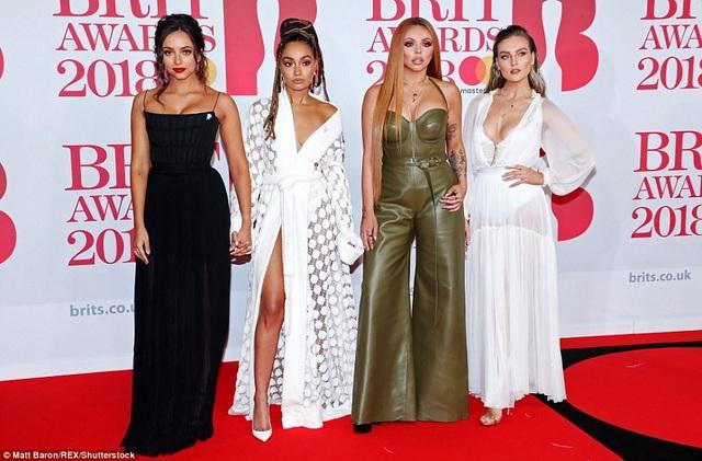 Cả nhóm nhạc Little Mix đều không được khen mặc đẹp