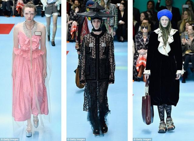 """Các người mẫu quấn khăn, đội mũ """"kiến trúc"""" hoặc có thêm con mắt thứ ba trên trán."""
