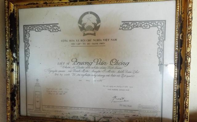 Bằng Tổ quốc ghi công của ông Chóng được công nhận năm 1993
