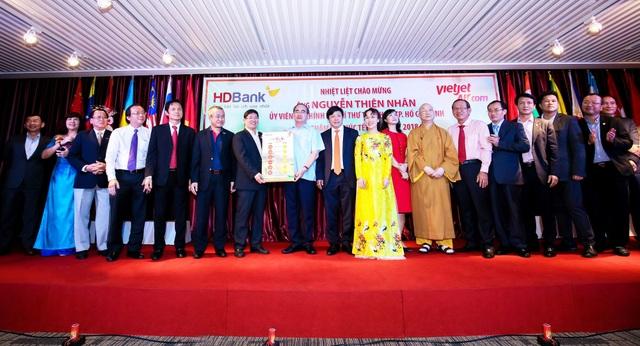 Bí thư Thành ủy Nguyễn Thiện Nhân gửi gắm sự tin tưởng về sứ mệnh tỏa sáng, khẳng định niềm tin sáng tạo và năng lực quản lý của người Việt Nam