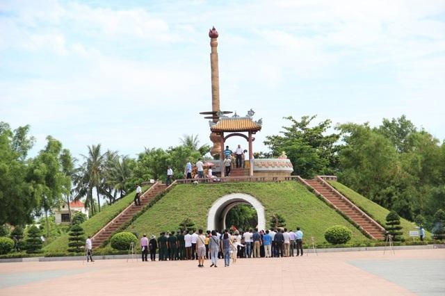 Di tích Thành cổ Quảng Trị, điểm tri ân các anh hùng, liệt sĩ thu hút nhiều khách du lịch