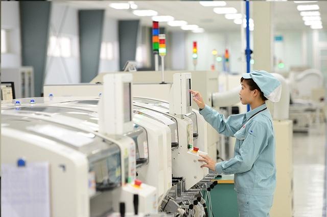 Trong dây chuyền sản xuất thiết bị tại nhà máy của công ty M1 của Viettel.