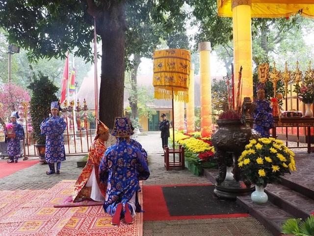 Lễ dâng hương tưởng nhớ các bậc tiên đế tại Hoàng thành Thăng Long - 2