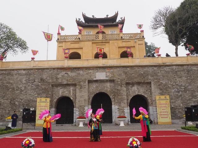 Lễ dâng hương tưởng nhớ các bậc tiên đế tại Hoàng thành Thăng Long - 4