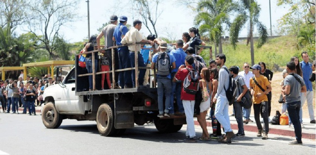 Thu nhập mỗi ngày của người dân Venezuela là 26.583 bolivar (tương đương 0,13 USD hay gần 3.000 đồng), thậm chí không đủ tiền để mua một tách cà phê. (Nguồn: Twitter)