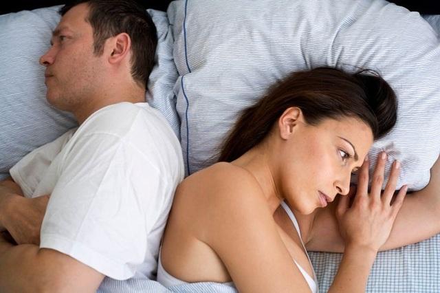 Chồng lạnh lùng chăn gối từ khi vợ giảm cân - 1