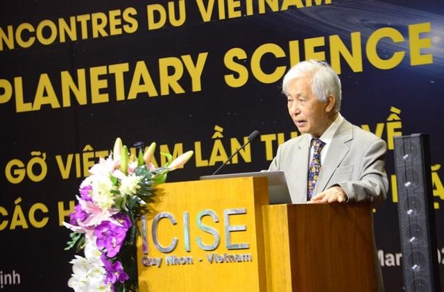 Giáo sư Trần Thanh Vân, Chủ tịch Hội gặp gỡ Việt Nam.