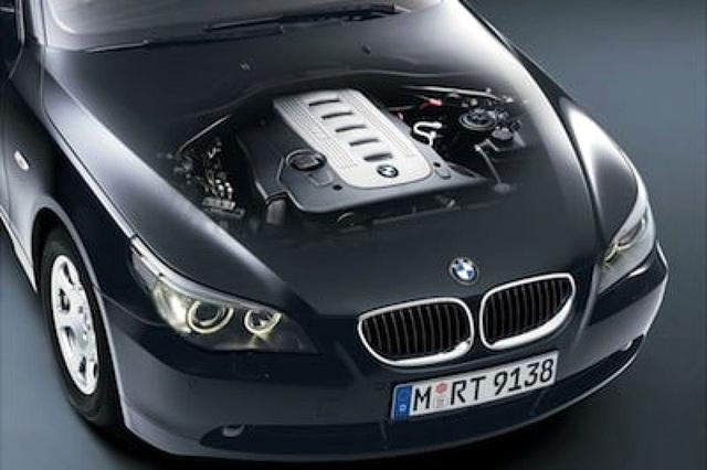 BMW triệu hồi gần 12.000 chiếc 5-series và 7-series - 1