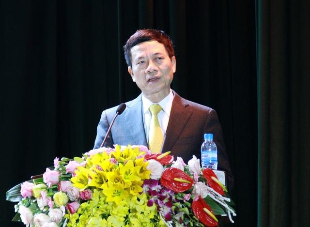 Thiếu tướng Nguyễn Mạnh Hùng, Ủy viên Trung ương Đảng, Tổng giám đốc Tập đoàn Viettel.