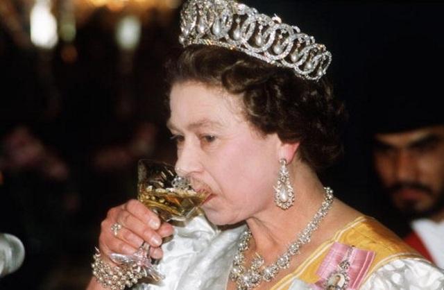 Khám phá chế độ ăn một ngày bình thường của nữ hoàng Anh - 3