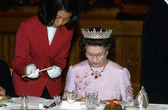 Khám phá chế độ ăn một ngày bình thường của nữ hoàng Anh - 4