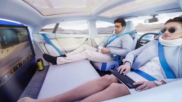 Xe của tương lai không xăng, không người lái