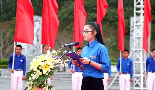 Em Nguyễn Thị Phương đại diện ĐVTN toàn tỉnh phát biểu hưởng ứng Lễ khởi động.