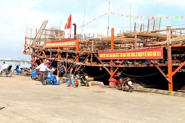 Khẩu hiệu ngư dân vươn khơi đầu năm mới
