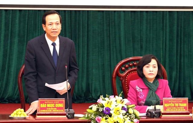 Bộ trưởng Đào Ngọc Dung phát biểu tại buổi làm việc với Tỉnh uỷ, UBND tỉnh Ninh Bình chiều 27/2. (Ảnh: A.T)