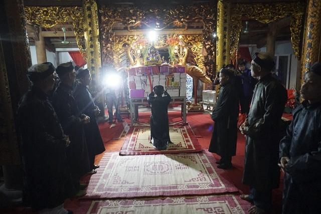 Hội làng An Định mở ngày mùng 7 Tết và kết thúc vào ngày 11 tháng Giêng. Trong đêm cuối hội tại đình làng, các cụ cao tuổi làm lễ giã đám trong đình vào lúc 21h.