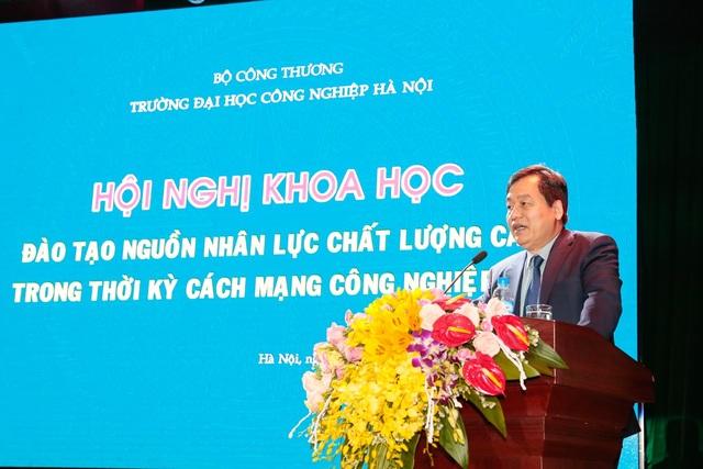 PGS. TS. Trần Đức Quý - Hiệu trưởng Trường Đại học Công nghiệp Hà Nội phát biểu tại Hội nghị.