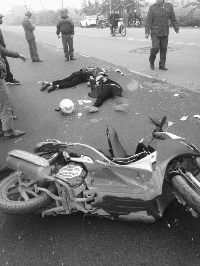 Hiện trường vụ tai nạn thương tâm sáng nay 27/2 tại Cống Keo, Kim Sơn, Gia Lâm, Hà Nội (Ảnh: Đại Nguyễn).