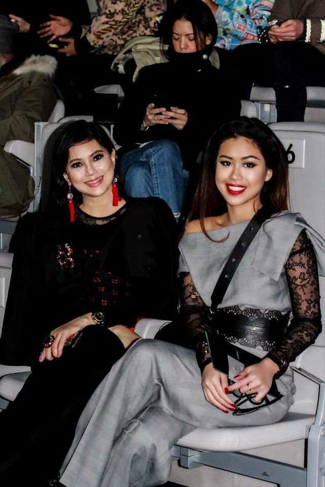 Cả hai mẹ con của gia đình quyền lực thời trang hàng đầu Việt Nam đã có những trải nghiệm đáng nhớ tại Milan.