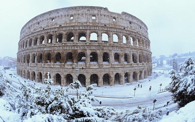Theo Business Insider, nhiệt độ trung bình tại Rome trong ngày 26/2 giảm xuống -7 độ C. Trước đó, nhiệt độ trung bình tại khu vực này nếu ở mức thấp cũng chỉ khoảng 3,5 độ C. (Ảnh: Reuters)