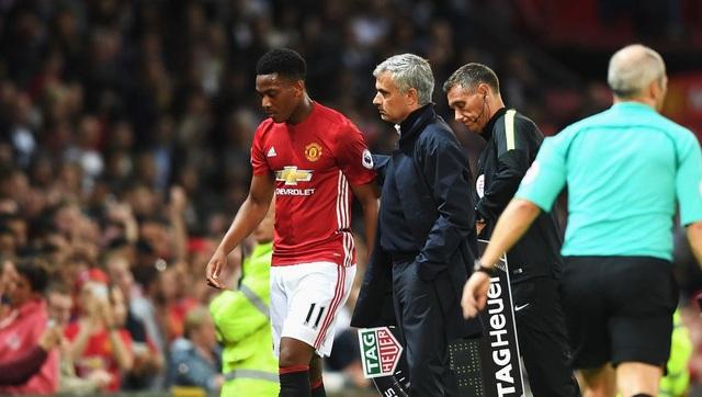 Mourinho không hài lòng vì BLĐ MU chưa gia hạn hợp đồng với Martial