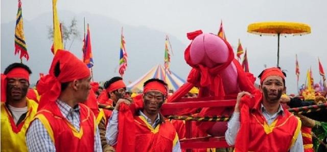 Những lễ hội cổ xưa đậm màu sắc phồn thực của người Việt - 2