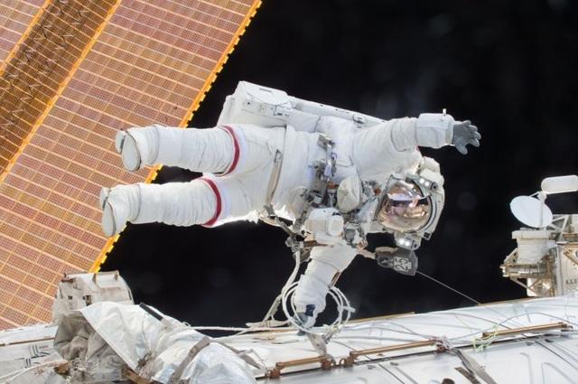 Du khách sẽ đi bộ ngoài không gian và được ghi hình