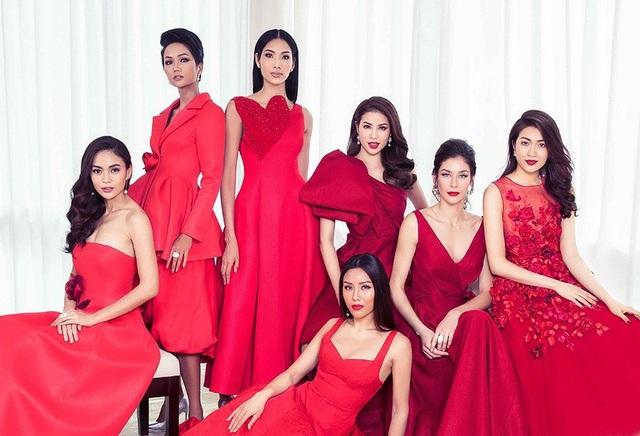Đây cũng là lời chúc mà các người đẹp Hoa hậu Hoàn vũ Việt Nam, muốn gửi đến khán giả, một năm mới rực rỡ, tràn đầy niềm vui và nhiều hạnh phúc.