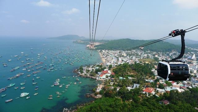 Vi vu tuyến cáp treo vượt biển dài nhất thế giới - 7