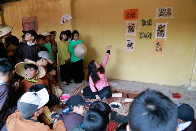 Học sinh Hà Nội học Lịch sử, Văn học, Mỹ thuật qua không gian tết làng quê Bắc bộ - 11