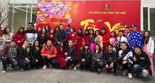 Sinh viên ngoại quốc trường ĐH Hà Nội