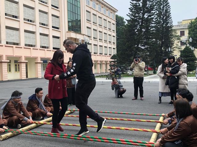 Sinh viên ngoại quốc tưng bừng tham gia tìm hiểu Tết Việt - 2