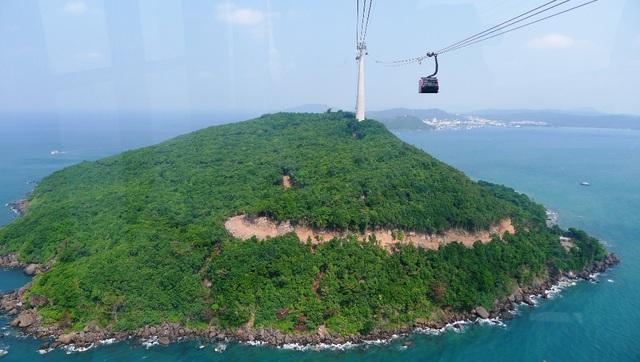 Vi vu tuyến cáp treo vượt biển dài nhất thế giới - 6