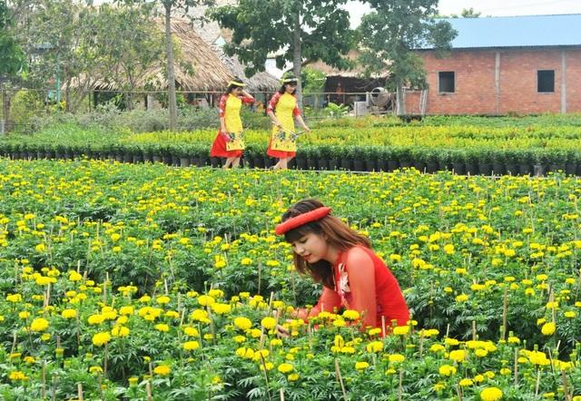 Giới trẻ miền Tây hào hứng tạo dáng ở làng hoa Sa Đéc - 3
